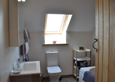 Paxton View Barn Bathroom with window